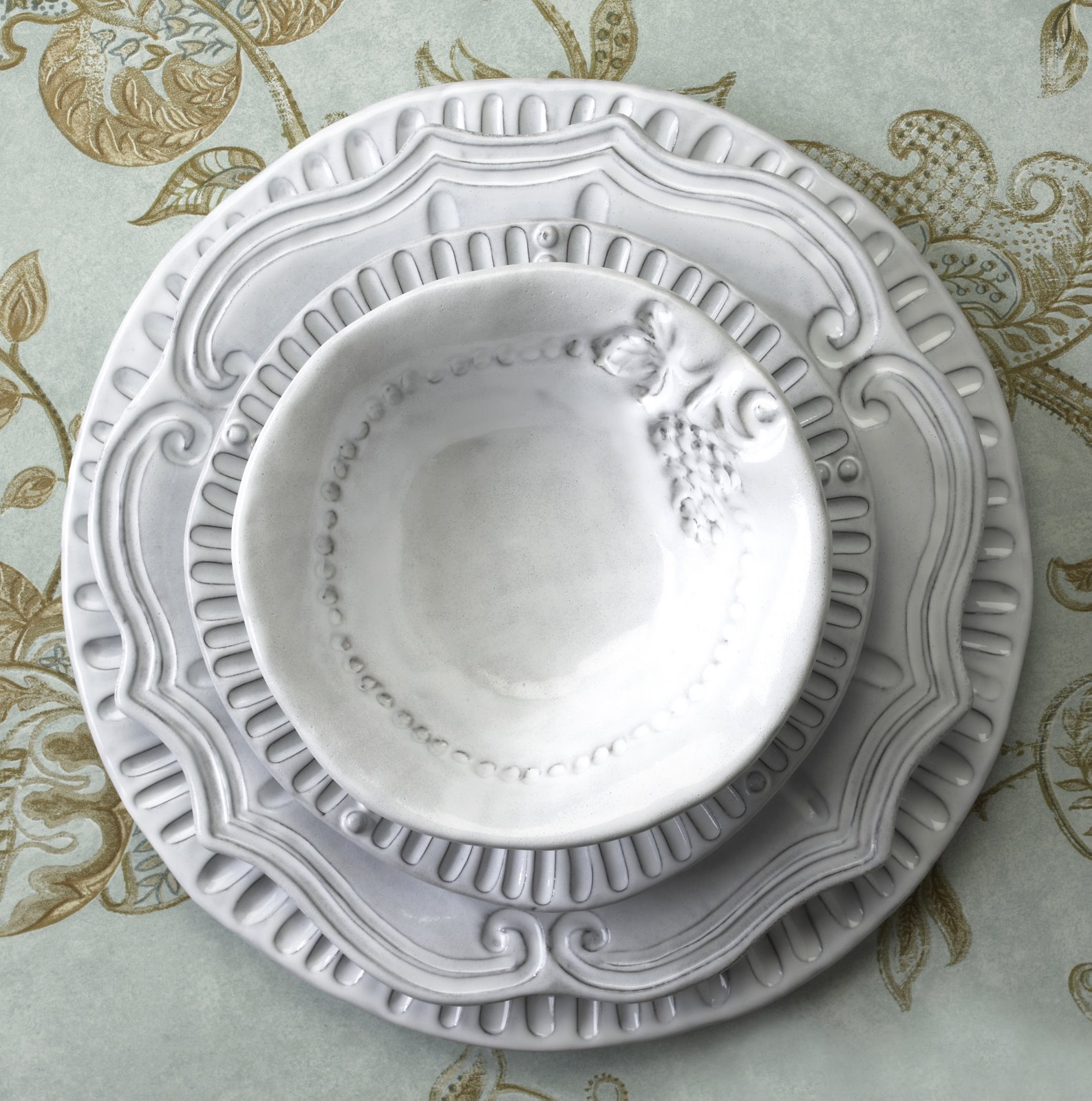 This microwave dishwasher and oven safe collection was inspired by French Provencale antiques. The different motifs replicate Italian Veneto history u2013 the ... & Uncategorized | vietriliving | Page 24